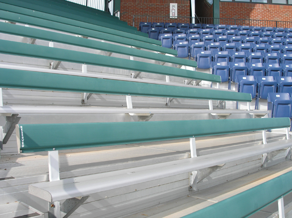 Aluminum bleachers with backrests supplied by Dant